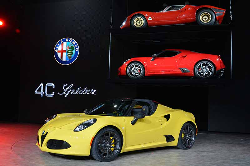 New Alfa Romeo 4C Spider (2015) - Detroit Motor show highlights. Carphile.co.uk