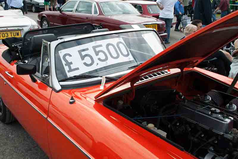 Beaulieu spring auto jumble 2015 - carphile.co.uk
