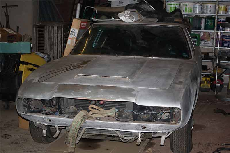 Aston Martin DBS barn find - star of Practical Classics Restoration Show 2015 - carphile.co.uk