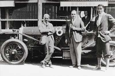 Bentley History - Frank Clement, WO Bentley and John Duff with the 1924 Le Mans Winning 3-Litre Bentley - carphile.co.uk
