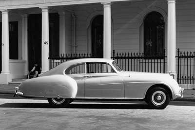 Bentley-S2-Continental - Top 5 classic cars from Bentley - carphile.co.uk
