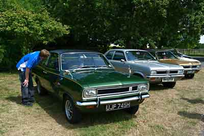 Classic vauxhall cars at Simply Vauxhall 2015 - carphile.co.uk