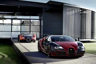 The last and first Veyron's (chassis number 450 and 1) at the Bugatti Factory