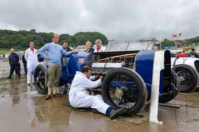 Recereated 2015 photo of the Blue bird team at Pendine - carphile.co.uk
