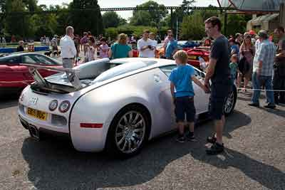 Bugatti-Veyron---Beaulieu-Supercar-Showdown