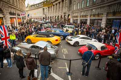 Car Fans at Regent Street Motor Show 2015 - carphile.co.uk