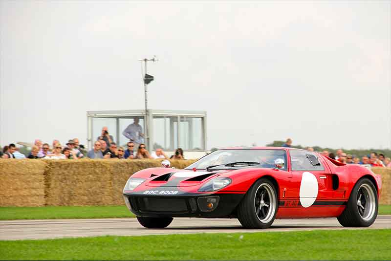 Ford GT40 racing car - Sywell Classic 2015 - carphile.co.uk
