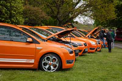 Electric orange Ford Focus ST club - simply Ford 2016 - carphile.co.uk