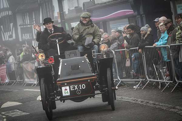 1900 Daimler Tonneau - London to Brighton veteran car run 2016 - carphile.co.uk