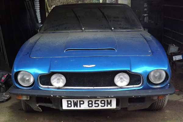 Aston-Martin-V8