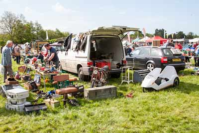 Trunk Traders - Beaulieu Spring Autojumble 2016 - carphile.co.uk