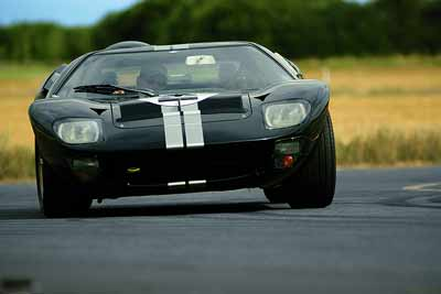 Ford-GT40-Road-car
