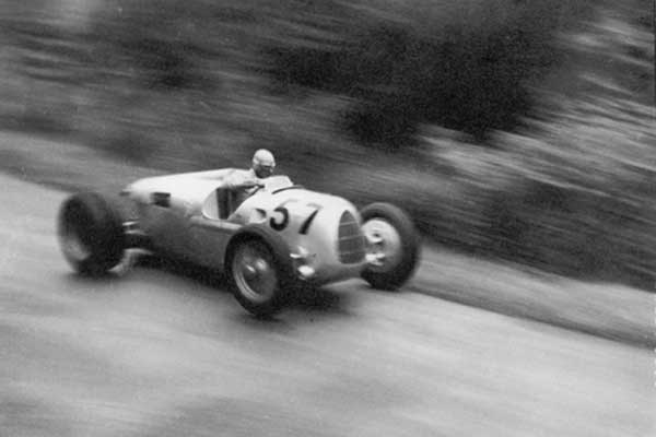 Auto Union V16 Grand Prix car - Shelsley Walsh Classic Nostalgia 2016 - carphile.co.uk