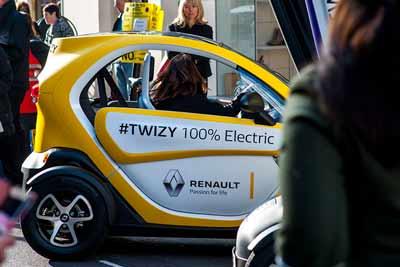 Renault Twizy EV - Regent Street Motorshow 2016 - carphile.co.uk